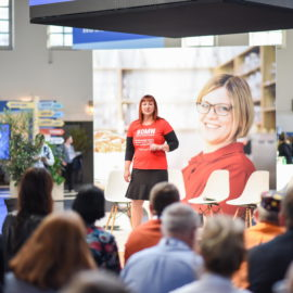 Beate Mader spricht bei facebook Digital Durchstarten, München