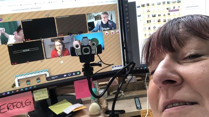 Selfie geht auch virtuell.